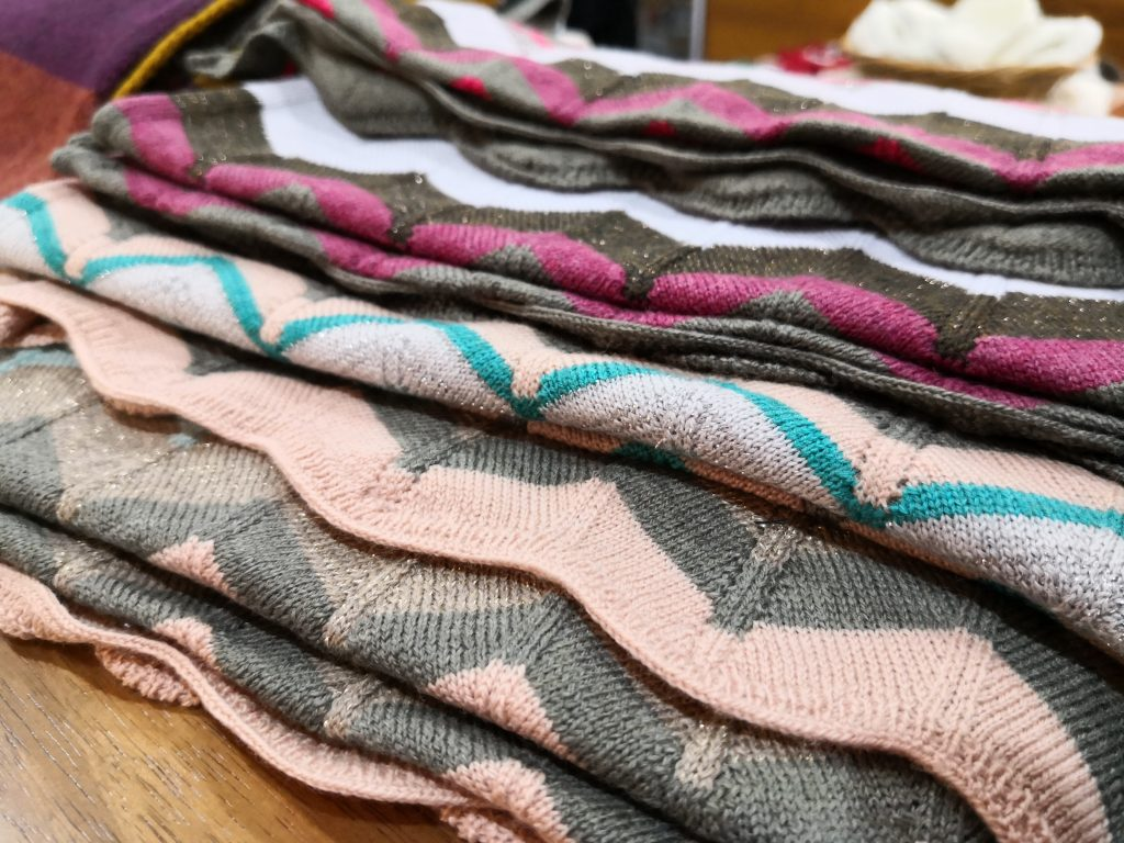Uimi scarves with a bit of sparkle